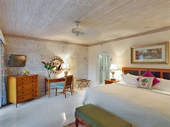 Cazare Colony Club by Elegant Hotels
