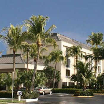Hampton Inn Naples Central