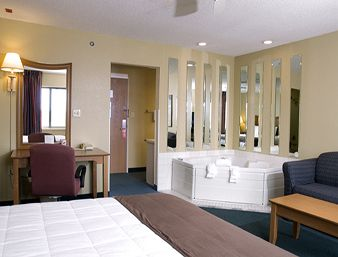 Baymont Inn & Suites Springfield South