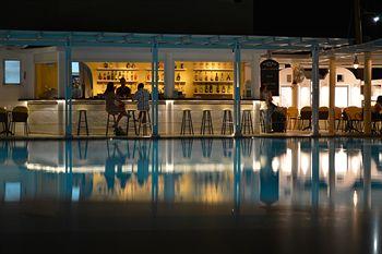 Sejur Kamari Beach Hotel