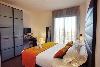 Cazare Hotel Dory & Suite