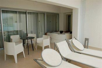 Cazare Napa Mermaid Hotel & Suites
