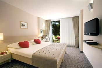 Cazare Valamar Sanfior Hotel & Casa