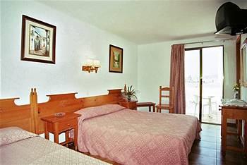 Cazare Hotel GHT Neptuno