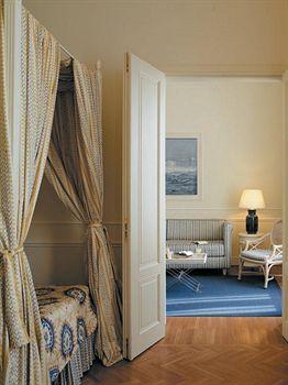 Cazare Grand Hotel Principe di Piemonte