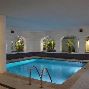 Cazare Hotel Augusta Club