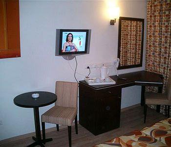 Sejururi Livadhiotis City Hotel