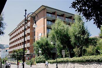 Sejururi Grand Hotel Cesare Augusto