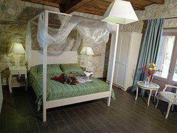 Cazare Petrino Suites Hotel
