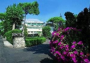Cazare Hermitage Hotel & Resort
