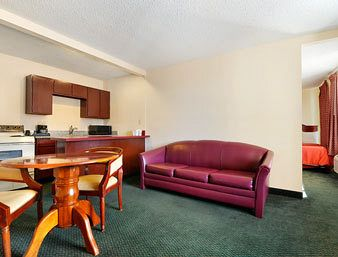 Days Inn and Suites Wichita East