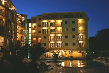 Cazare Joya Park Complex