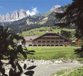 Cazare Park Hotel & Club Rubino