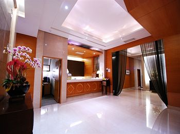 Capital Hotel Nanjing Branch - formerly Dong Hwa Hotel