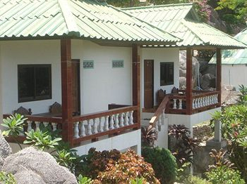 Family Tanod Bay Resort