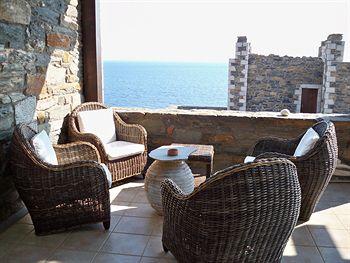 Hotel Porto Mani Suites