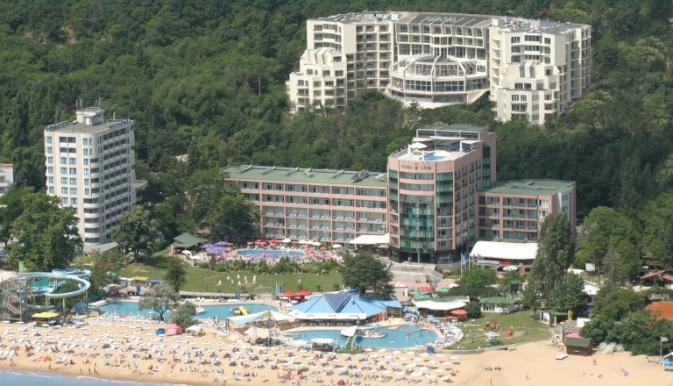 Sejururi Park Golden Beach